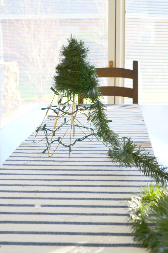 Diy Christmas Tree From Wire Hangers The Cofran Home